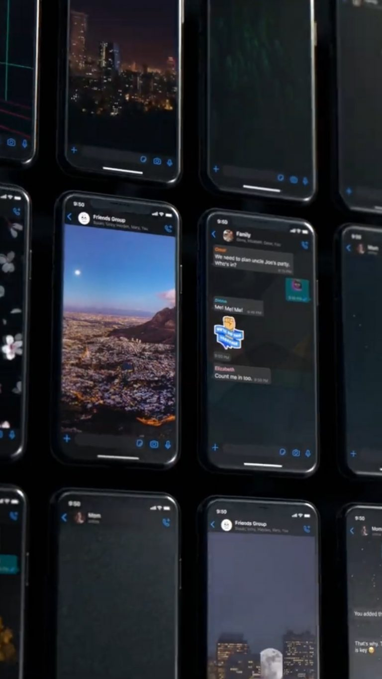 WhatsApp get a number of Dark and Light Wallpapers