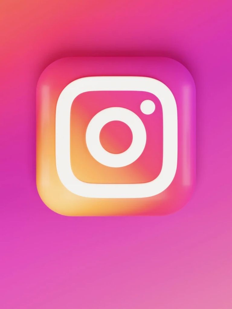 How to use Instagram in Dark Mode on PC